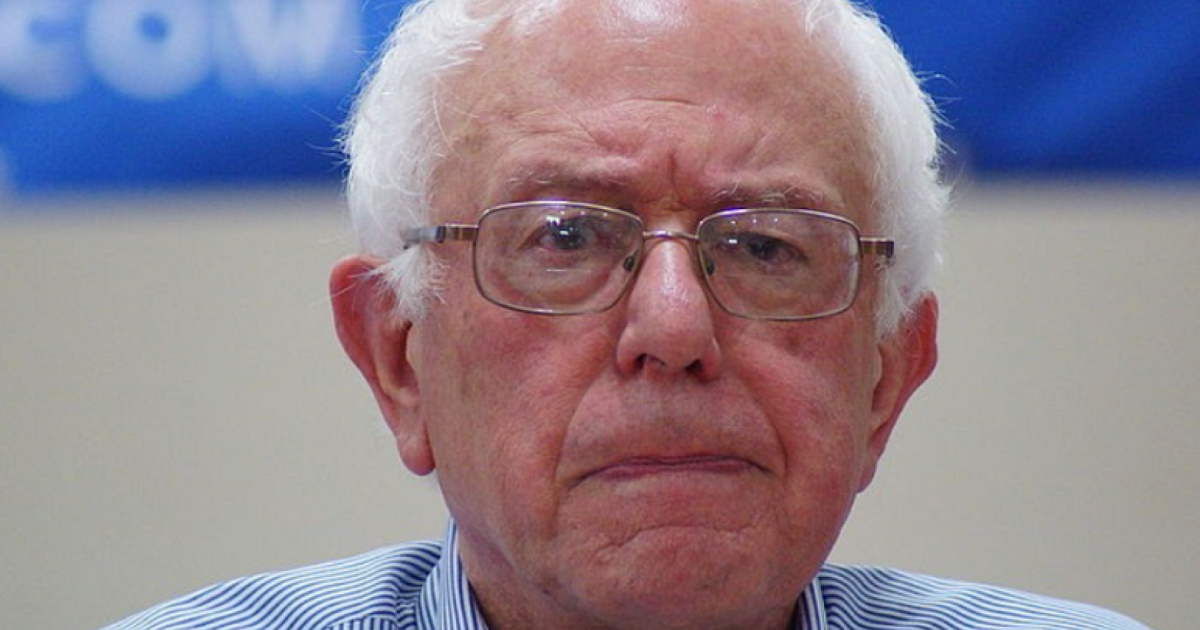 """Bernie Sanders On Ilhan Omar: """"We Will Stand By Our Muslim Brothers & Sisters"""""""