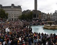 """""""We Do Not Consent"""" — Thousands Rally In London To Oppose Another COVID-19 Lockdown (Video)"""