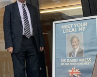 Tory MP David Amess SLAUGHTERED: Muslim Migrant STABS TO DEATH British MP In CHURCH In Front of Horrified Onlookers